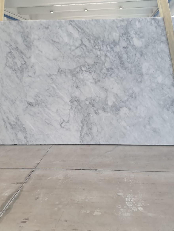 Bianco Carrara CD 2 cm blok 328 (1)