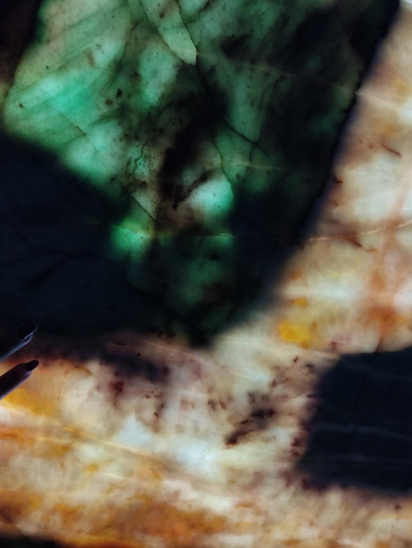 Jade Crystal 2 cm block 10866 CloseUp