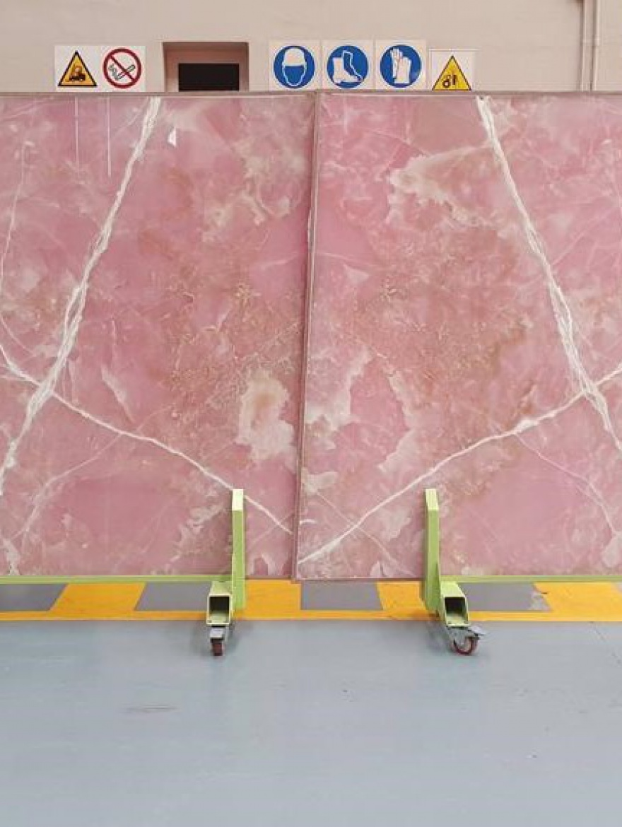 BL57444 ONIX GOLDEN PINK POLISHED SLABS 2CM (3)